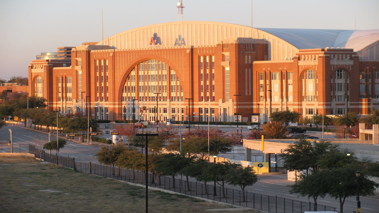 The Westin Dallas Downtown - American Airlines Center